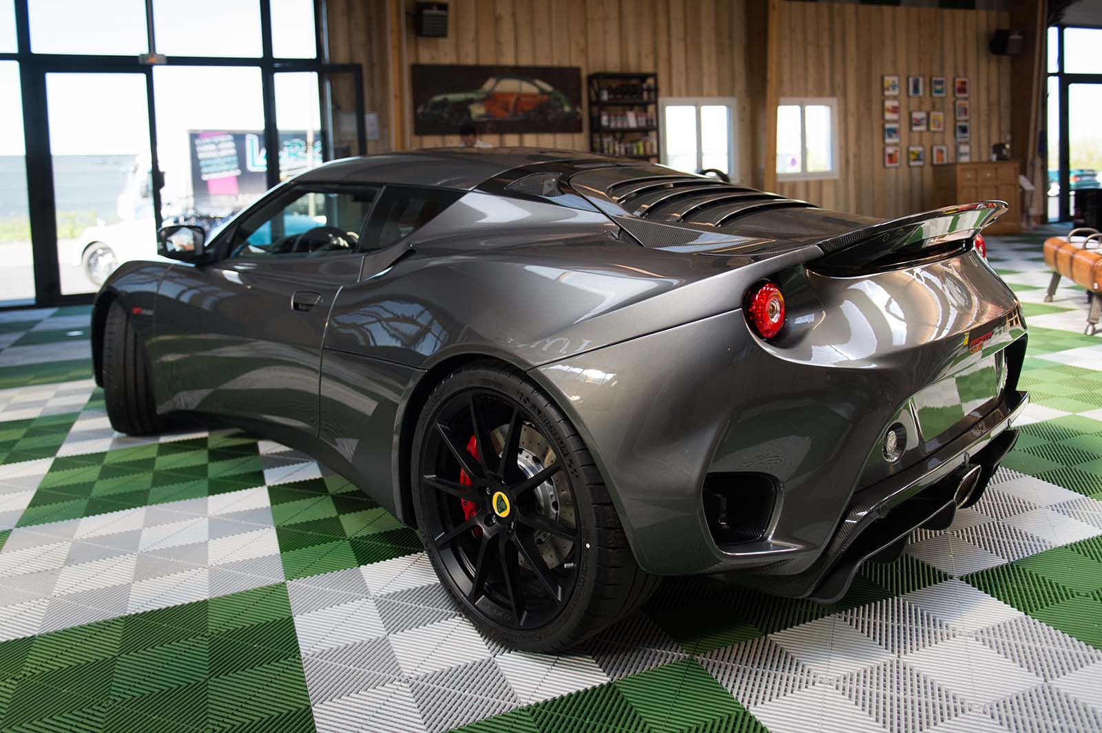 LOTUS_EVORA_GT_410_slide-4