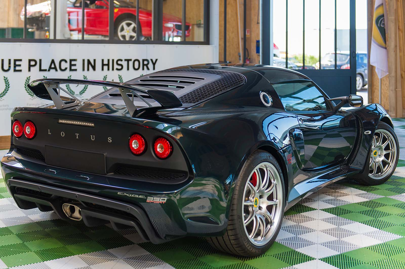 LOTUS_EXIGE_70TH_slide-3
