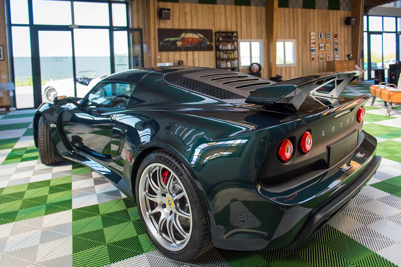 LOTUS_EXIGE_70TH_slide-4