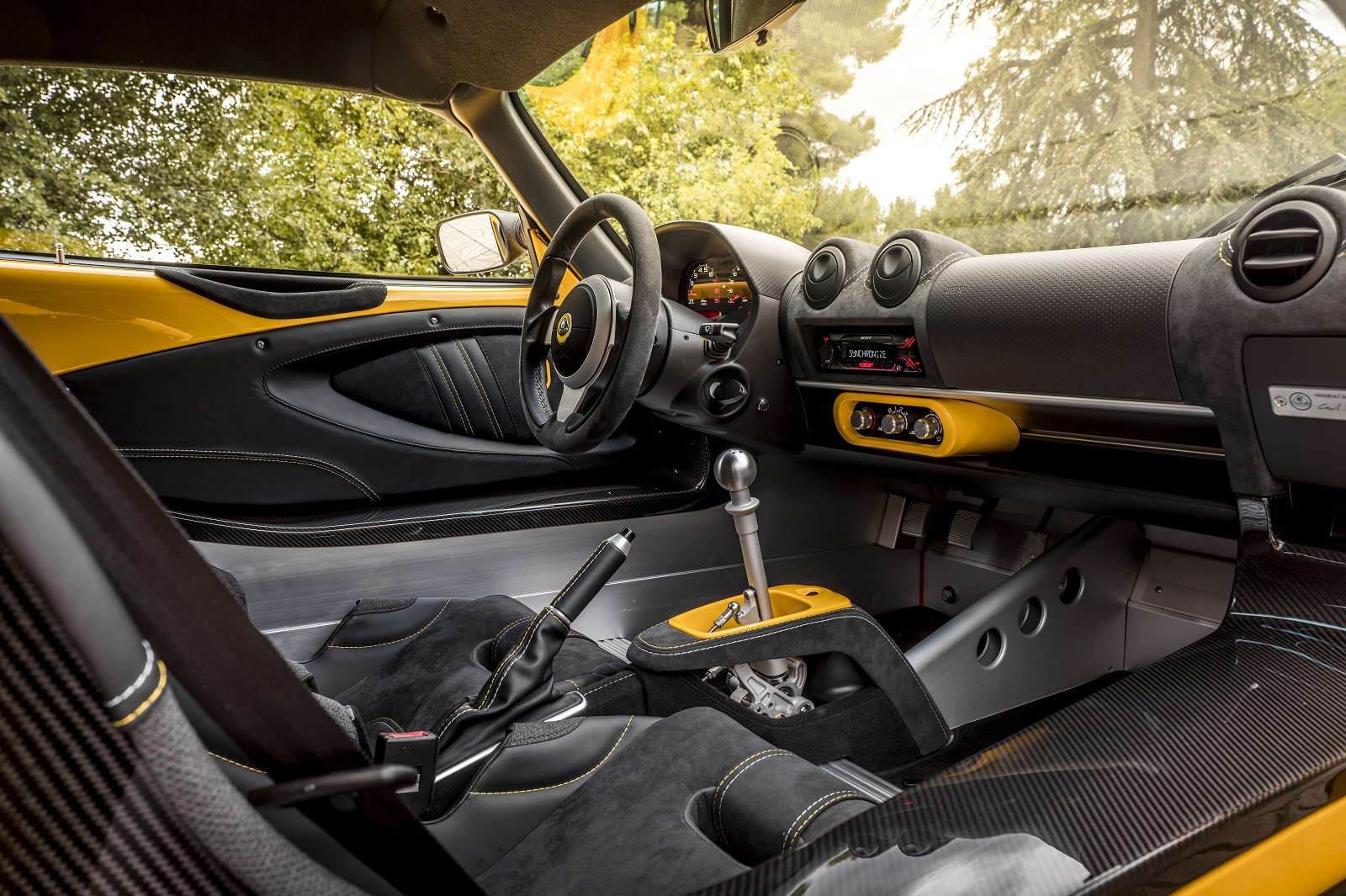 65801_9870_Yellow_Exige_430_Cup_044